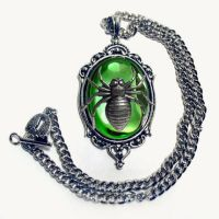 green spider necklace by Horribell-Originals