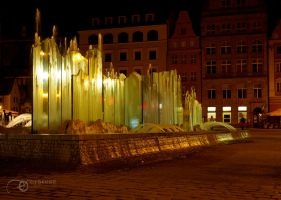Glass fountain in Wroclaw by 0dyseusz