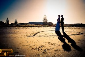 savvie weddings beach by Savvie-Photography