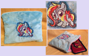 Contest Prize:Glittering Cloud Pouch by Sophillia