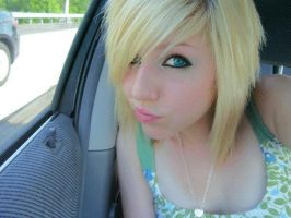Cute-short-blonde-blunt-emo-hairstyles-for-tee by angellove94