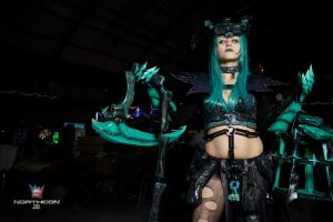 Female Thresh cosplay by DYuki