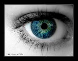 The colored eye by Zx20