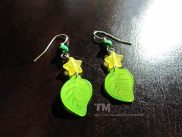 Paopu Fruit - Kingdom Hearts Inspired Earrings by thingamajik