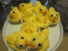 Rubber-ducky Cupcakes by CatsCakes