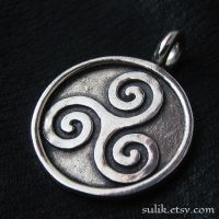 Silver Triskelion pendant by Sulislaw