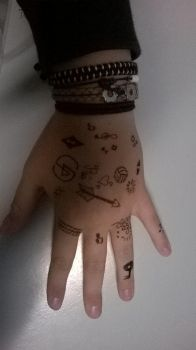 i drawed on my hand by sweetyammy