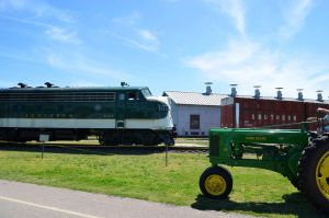 Deere on Southern Green by CSX5344