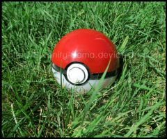 Prop: Pokeball by Serenity-Sama