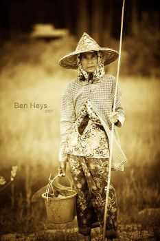Thai fisherwoman by sifu