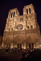 Notre Dame at night by Ijgg