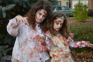 Mommy and princess Zombie 1 by RazorxBladexPhotos