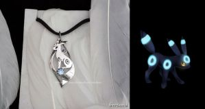 'Shiny Umbreon', sterling silver pendant by seralune