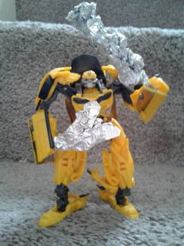 bumblebee's (custom) axe and club by mrredplasmabird12