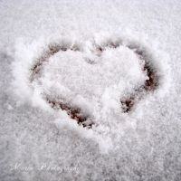 Snow heart by marialivia16