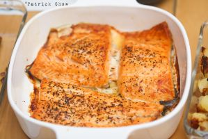 Grilled salmon by patchow
