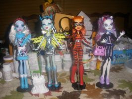 Art Class, Power Ghouls and New Scaremester by Demonqueen23