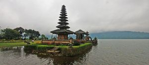 temple in bali, again by worldpitou