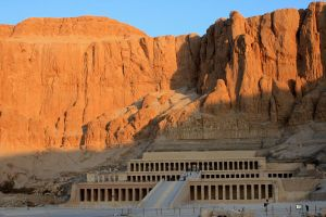 Hatshepsut's Temple by EduGanster