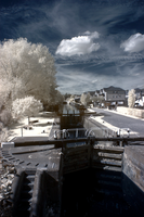 Apsley lock in IR by bmh1