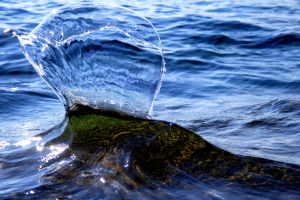Interesting Tahoe Wave I by sellsworth