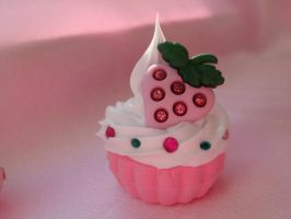 Starwberry Sparkel Cupcake by Lustfulwish