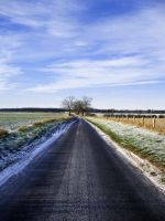 Road... and some snow stuffs by Daydreamer483