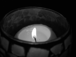 Candle BnW by PHREAKuencies