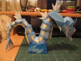 Gyarados Papercraft- Side by sazmullium