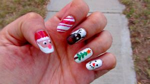Christmas nails by Brujawhite