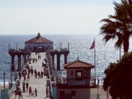 Manhattan Beach by TrashyDiamond