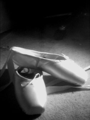 chaussons en vrac - Page 3 Ballet_by_hannahcore