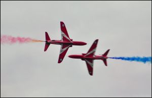 Red Arrows 8 / Close Pass / FAS 2012 by Somebody-Somewhere