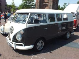 the legendary VW van by damenster
