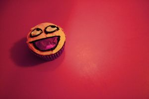 Awesome Smiley Cupcake by moonlight-fright