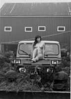 Black and White Jeep by CarrieSnail