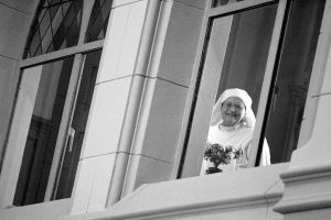 Peeking at the Ceremony by onelook