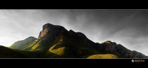Bluff Knoll Sunrise by Furiousxr
