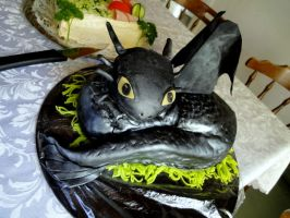 Toothless cake by the-cat-eared-one