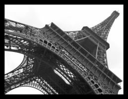 Eiffel Tower by eddx