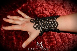 Tatted bracelet MIRA by LacyLoveHandmade