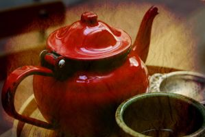 red teapot by inkabelle