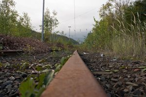 Railroad track by gargamelix
