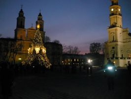 Christmas tree in kaunas2 by Alchemija