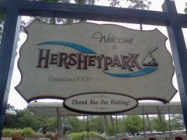 Hershey Park -  Welcome Sign by Spooneh21