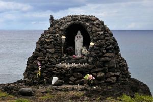 Easter Island shrine 1 by wildplaces