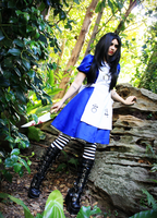 Alice by Xdead-dollyX