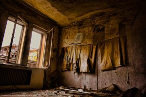 room of lose. .. by hippegrafie