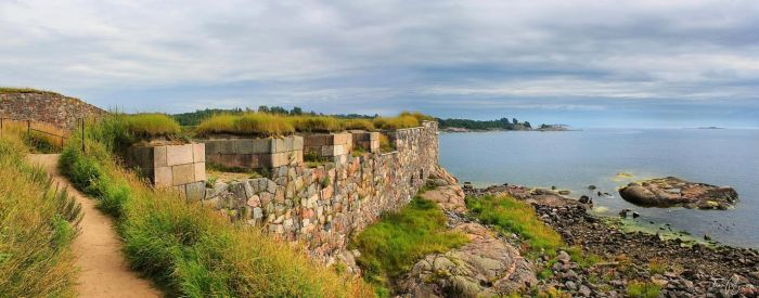 Walls of Suomenlinna Sea Fortress by Pajunen