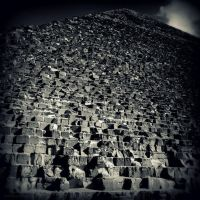 Great Pyramid of Giza by lostknightkg